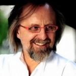 Jan A.P. Kaczmarek para el drama Music, War and Love