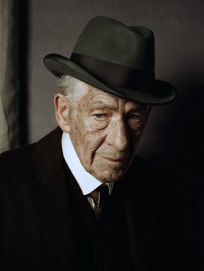 Carter Burwell asignado a Mr. Holmes
